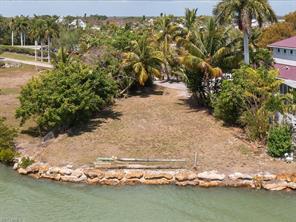 739 Palm Point DR Property Photo - GOODLAND, FL real estate listing
