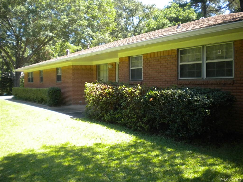 100 Woodlawn Drive Property Photo
