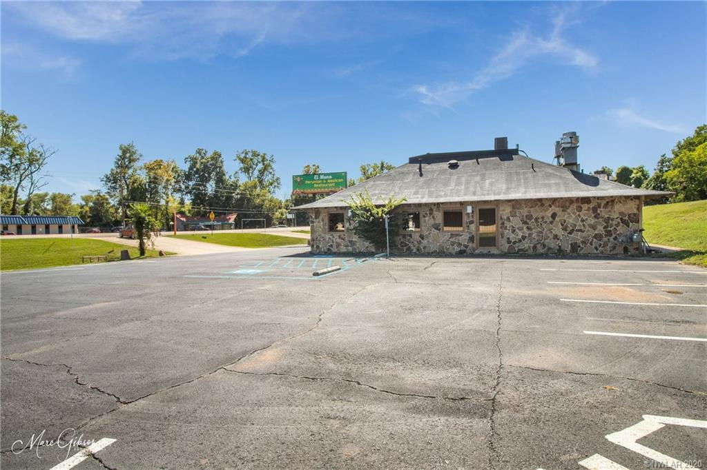2400 E 70th Street Property Photo - Shreveport, LA real estate listing