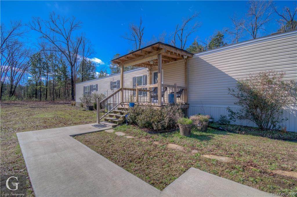 9201 Oak Street Property Photo