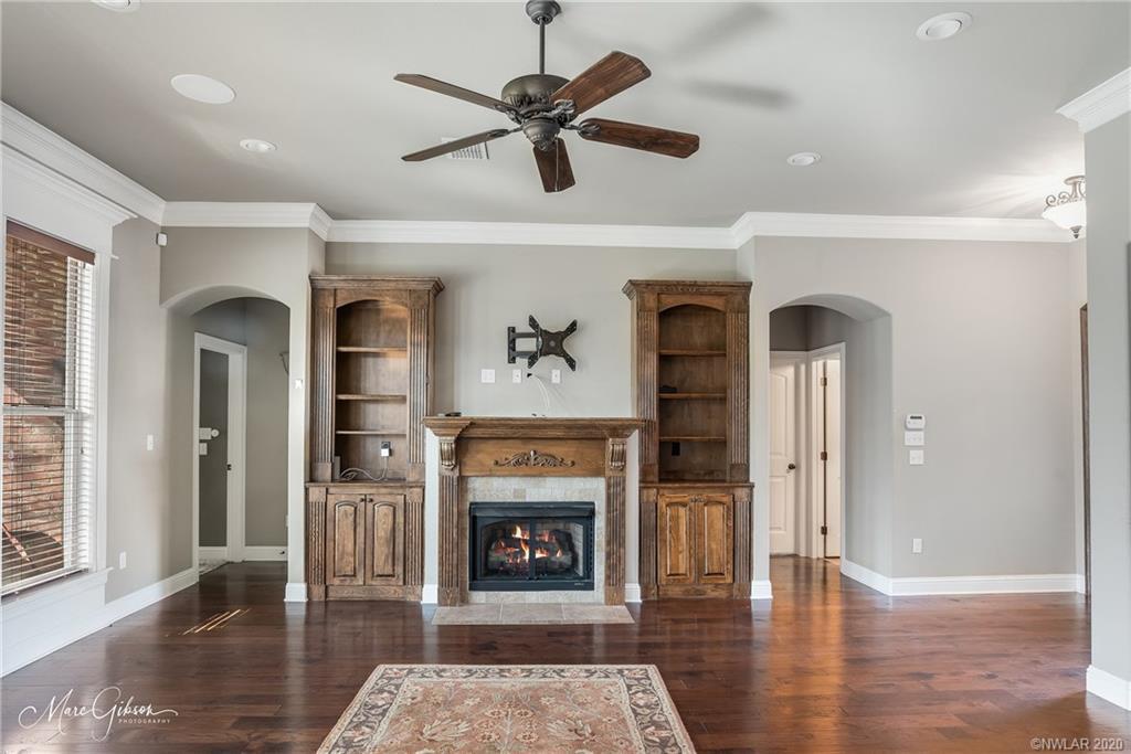 9758 Aiello Lane Property Photo - Shreveport, LA real estate listing
