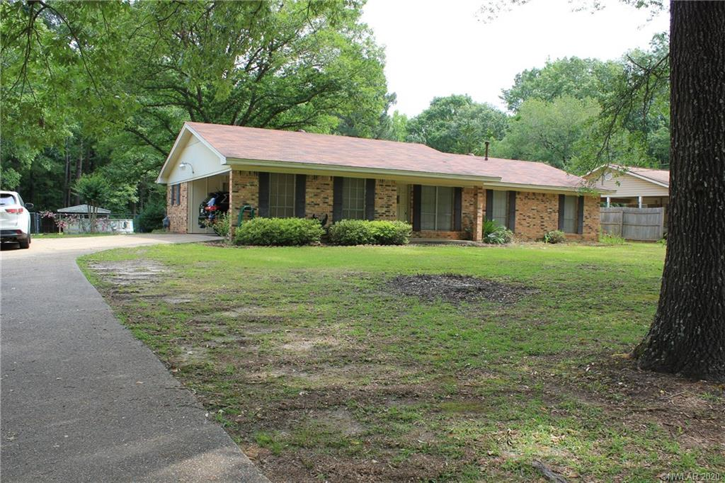 1366 Machen Drive Property Photo - Springhill, LA real estate listing