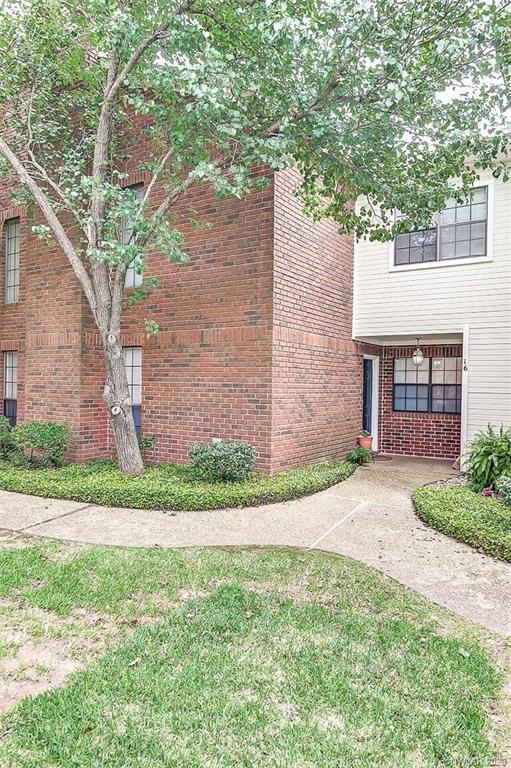 16 Meadow Creek Drive Property Photo