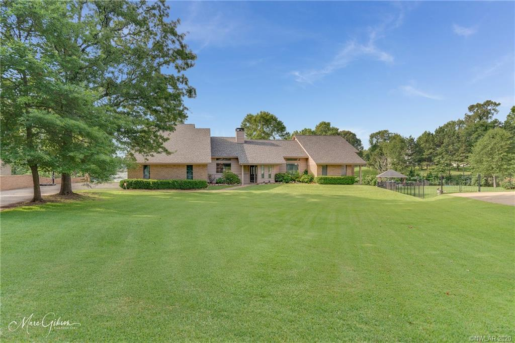 209 Bay Hills Drive Property Photo - Benton, LA real estate listing