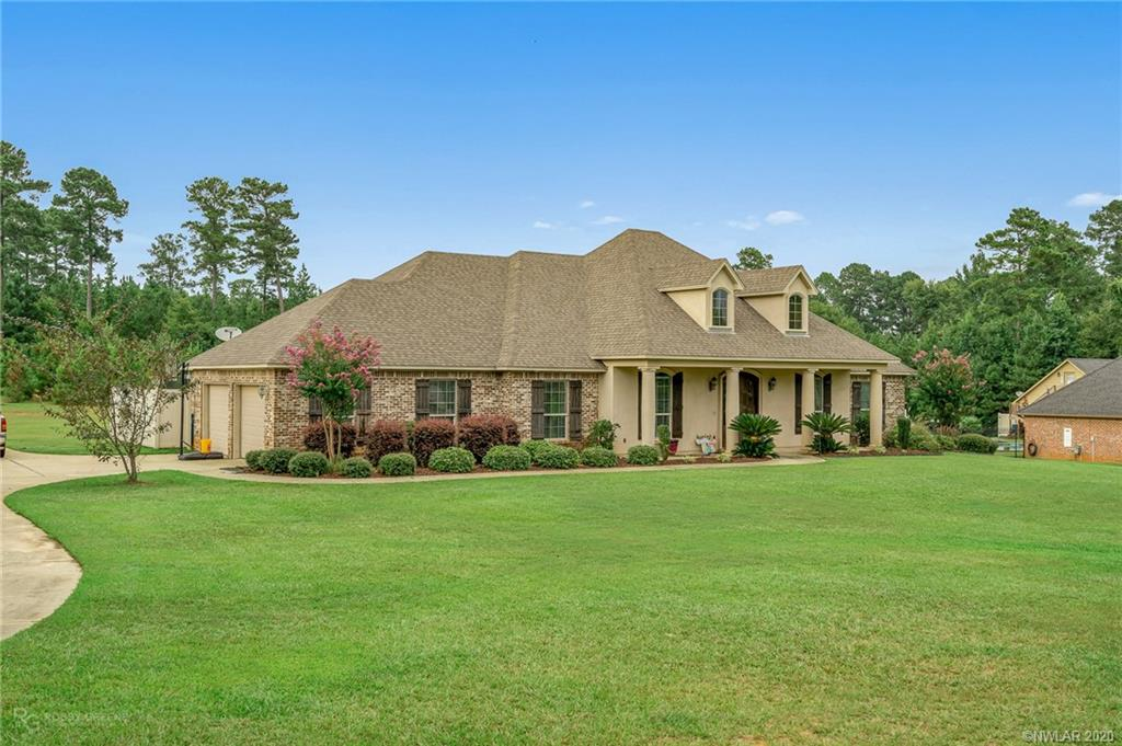 1515 Country Club Circle Property Photo