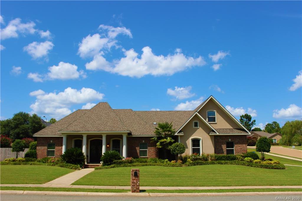 200 Woodhaven Drive Property Photo