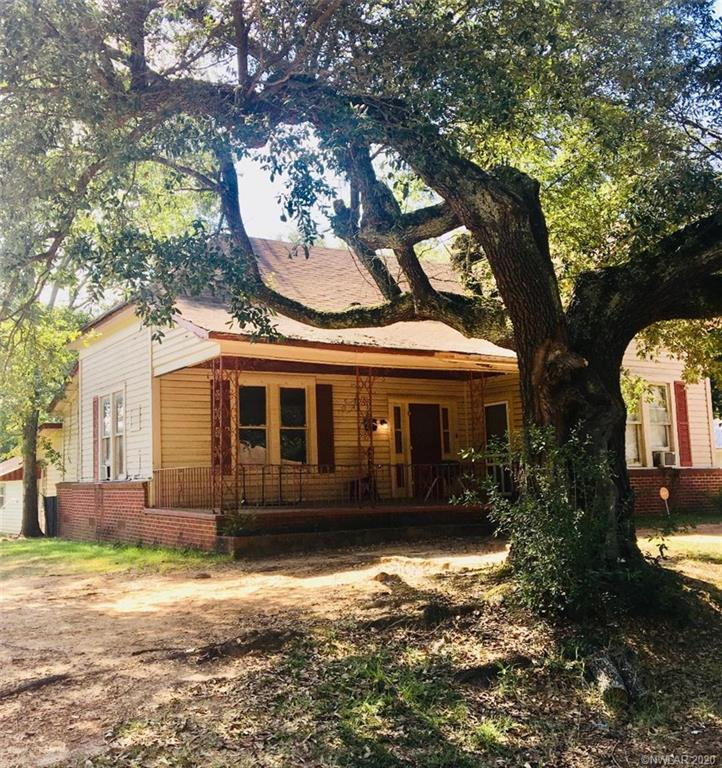 202 S Pecan Street Property Photo