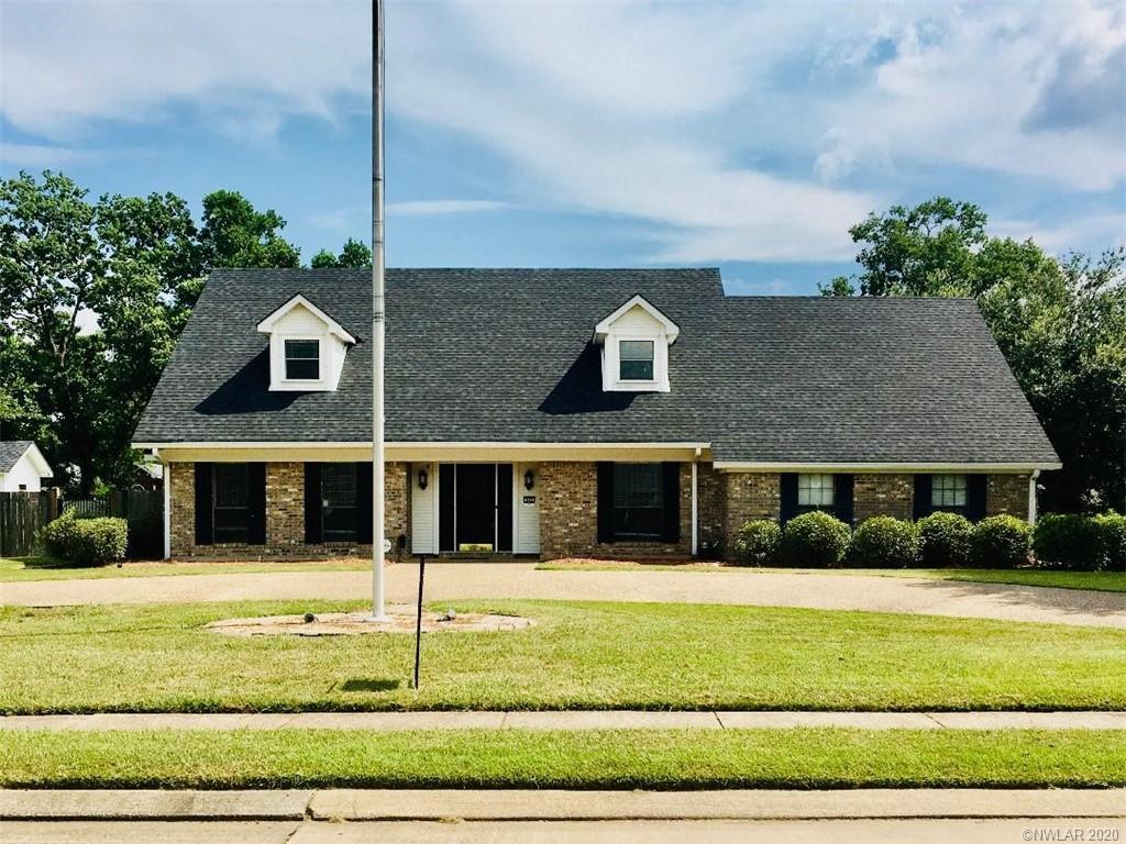 302 Greenacres Boulevard Property Photo