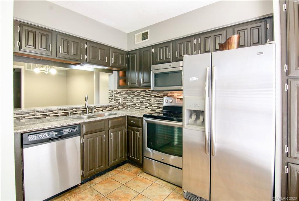 3100 Fairfield Property Photo