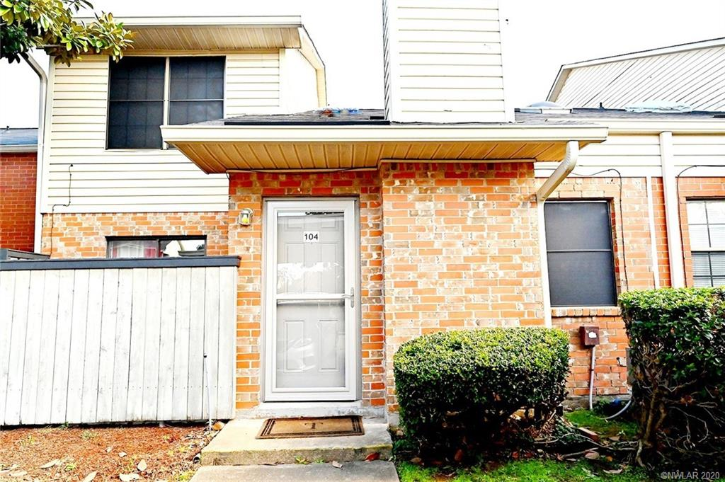 3636 Greenacres Drive #104 Property Photo