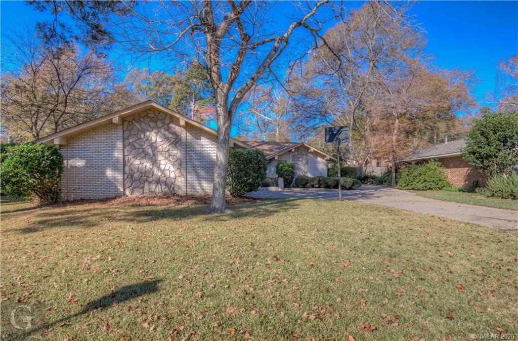 2061 S Kirkwood Drive Property Photo 1