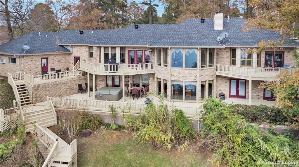194 Lake Drive Property Photo