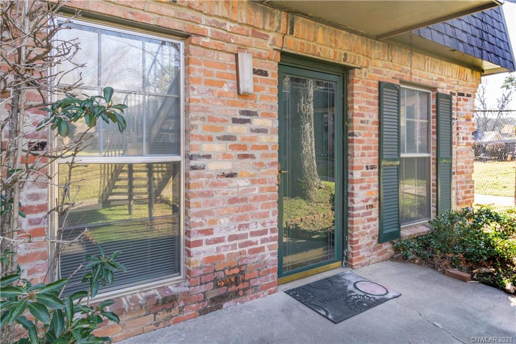 3820 Fairfield Avenue #105 Property Photo