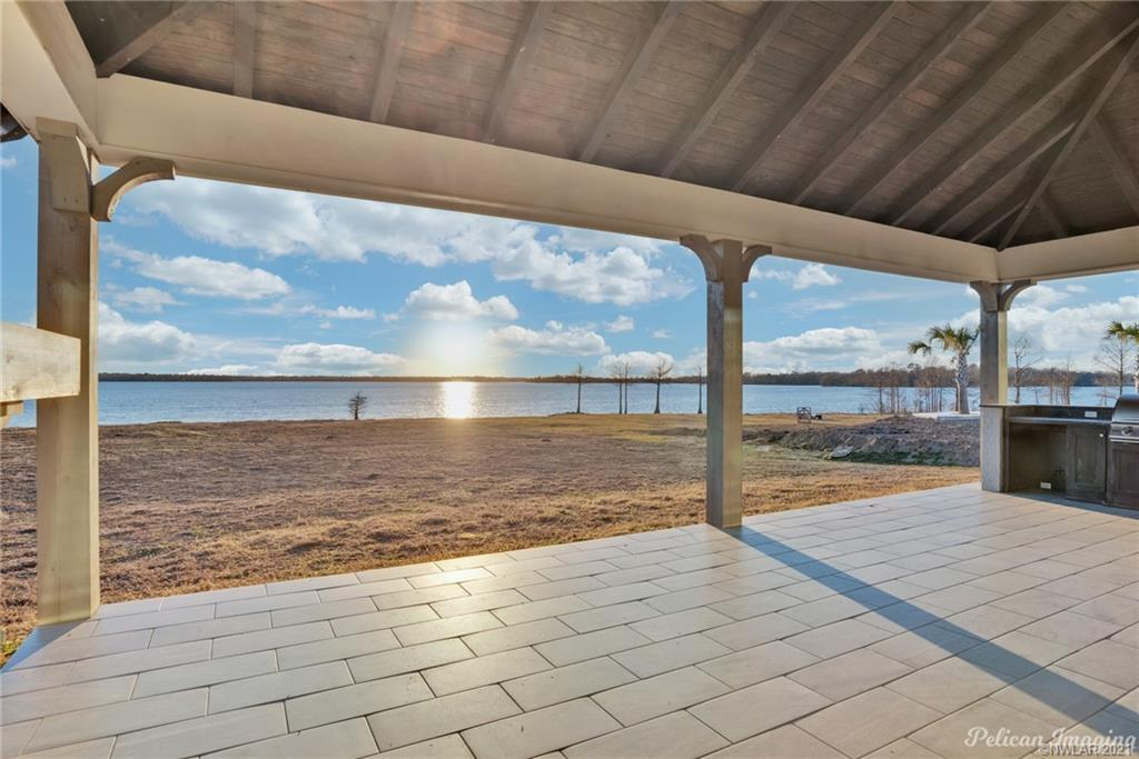 5789 Cross Lake Point Drive Property Photo - Shreveport, LA real estate listing