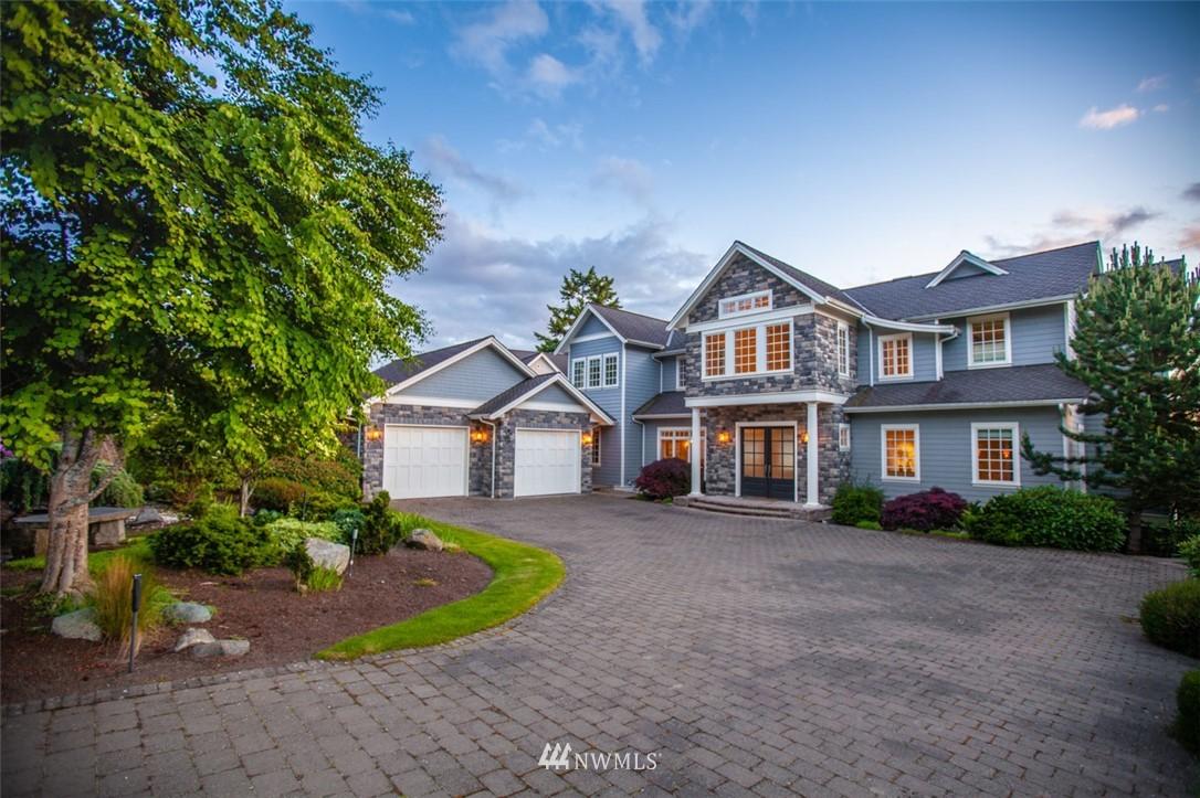 30 Shorewood Drive Property Photo