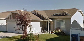 8910 N Oak Street Property Photo