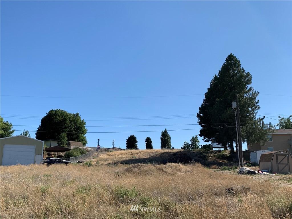 214 E Hillside Drive Property Photo