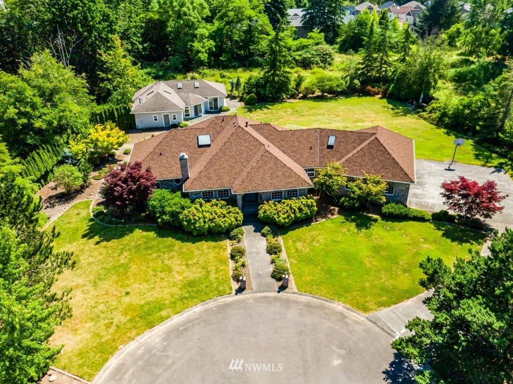 700 Woodbury Way Property Photo