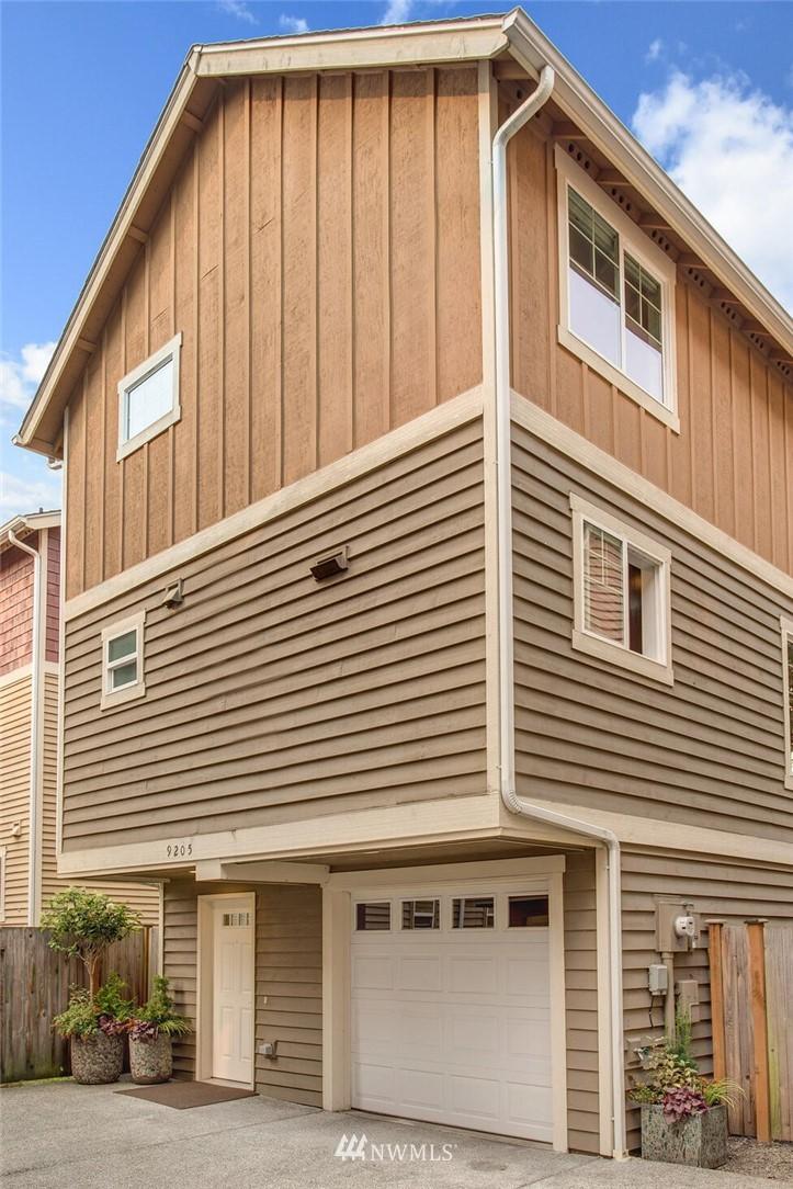 9205 Interlake Avenue N Property Photo
