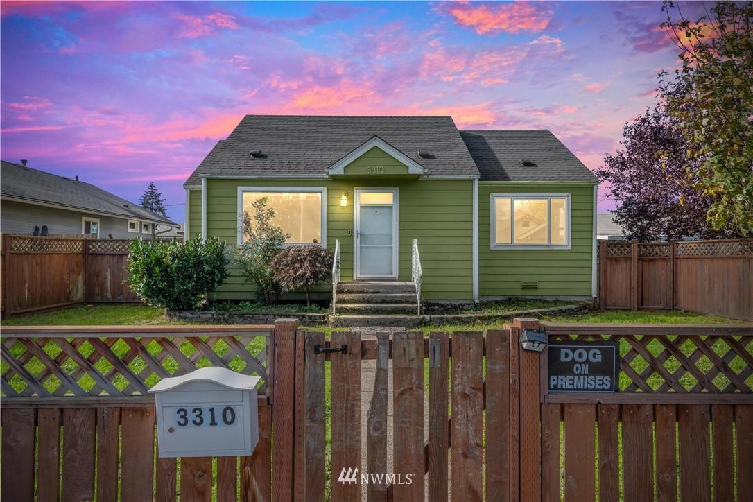 3310 E J Street Property Photo
