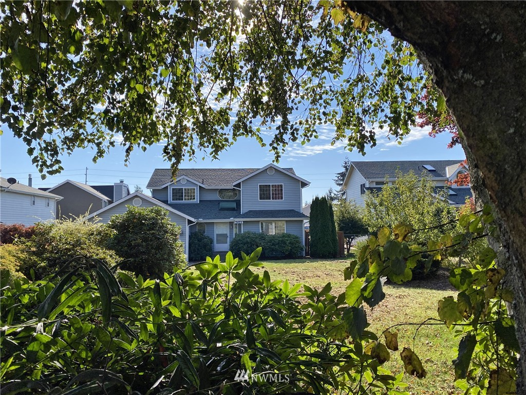 2425 S 220th Street Property Photo