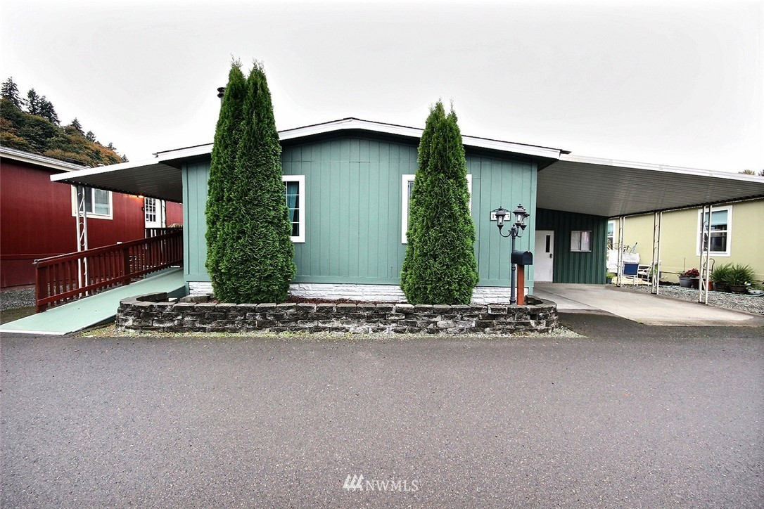 15263 Oak Drive Property Photo