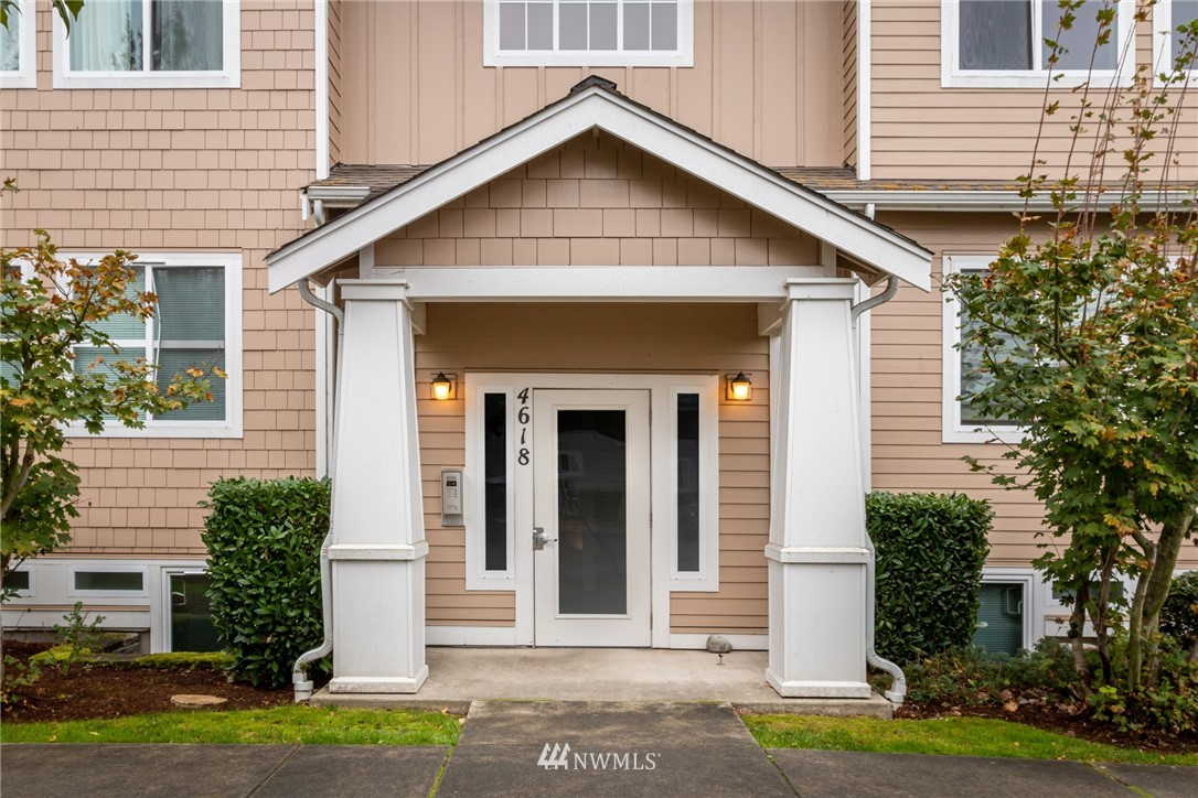 4618 Celia Way #302 Property Photo