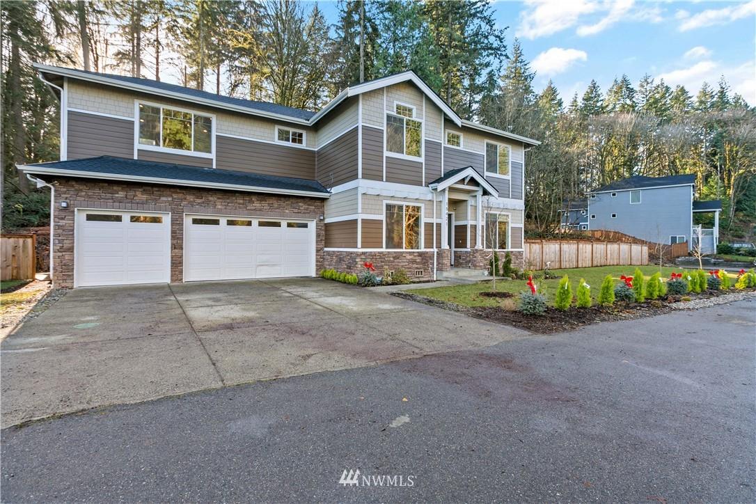 15421 Woodland Place Property Photo
