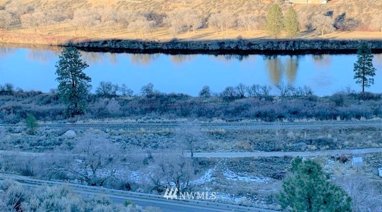 91 Omak Eastside Riverside Road Property Photo