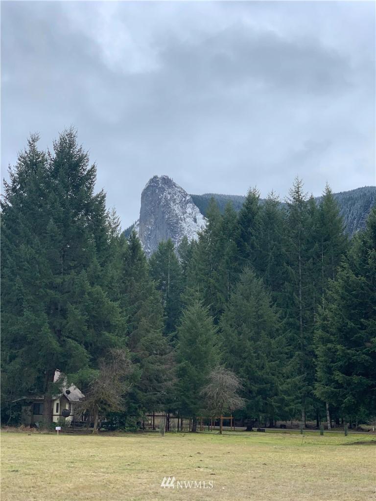102 Bluff Mountain Way E Property Photo