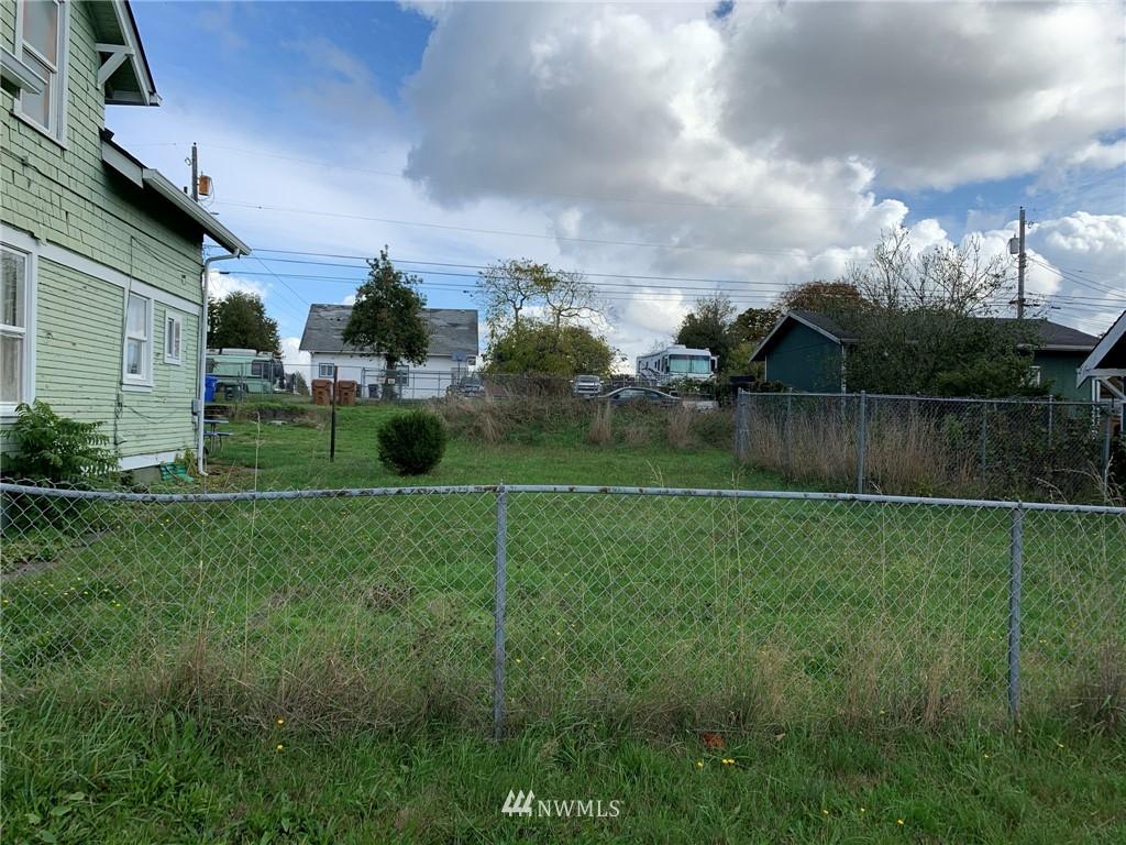 2319 S Cushman Avenue Property Photo