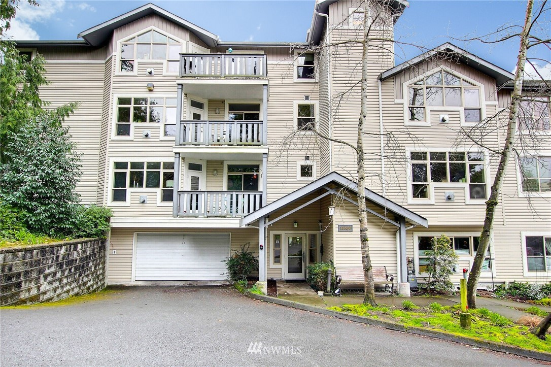 11550 Stone Ave N #206 Property Photo