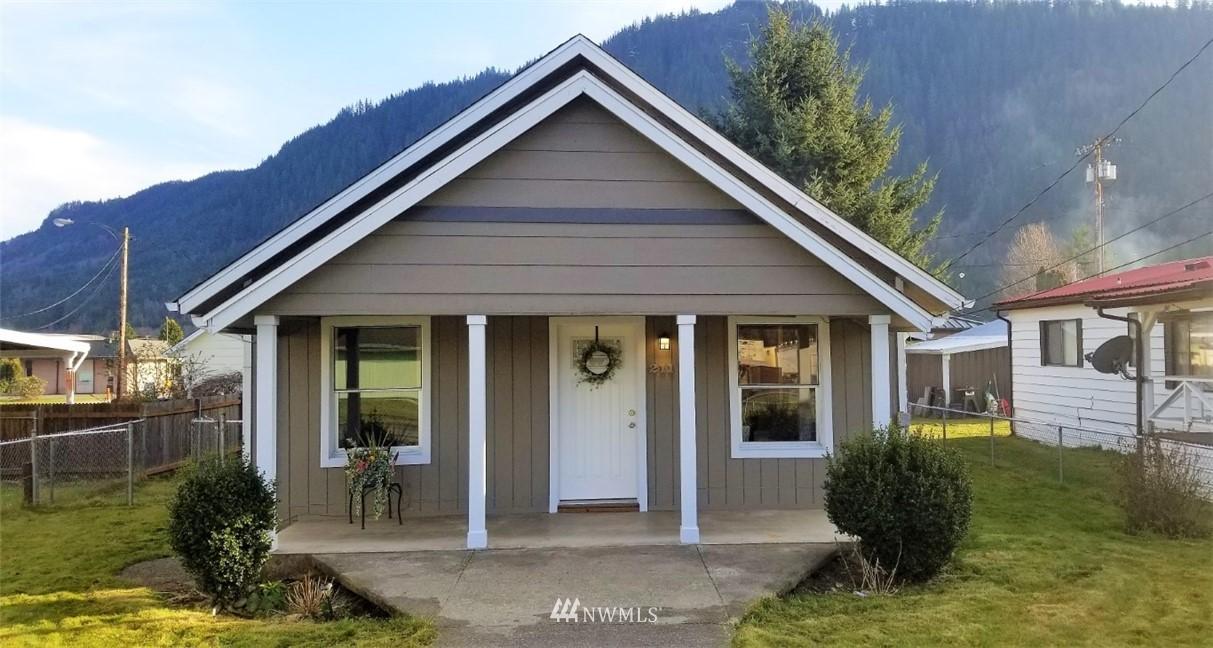 211 Division Avenue Property Photo