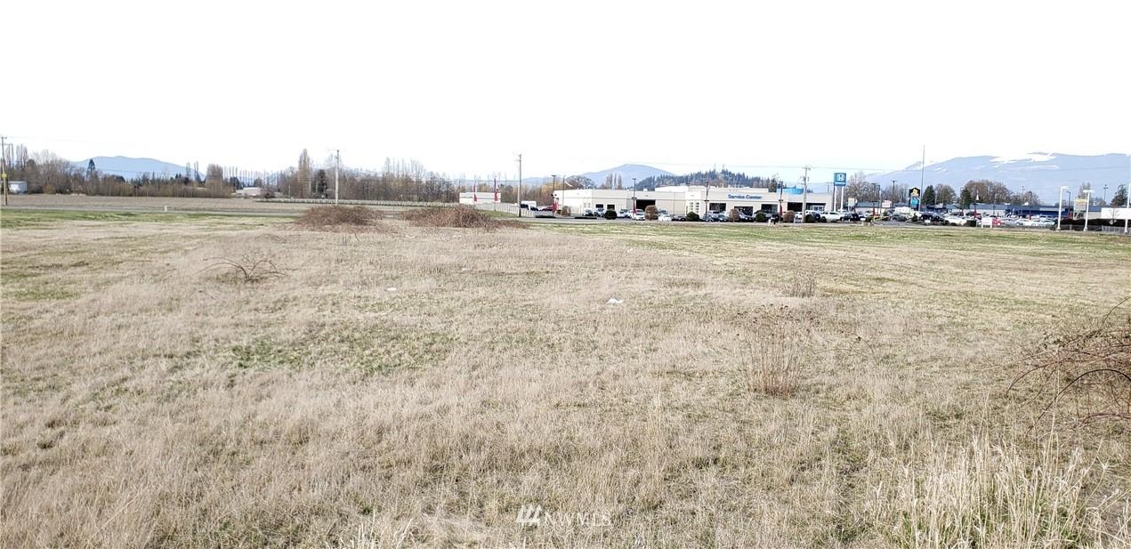 680 W Mccorquedale Road Property Photo