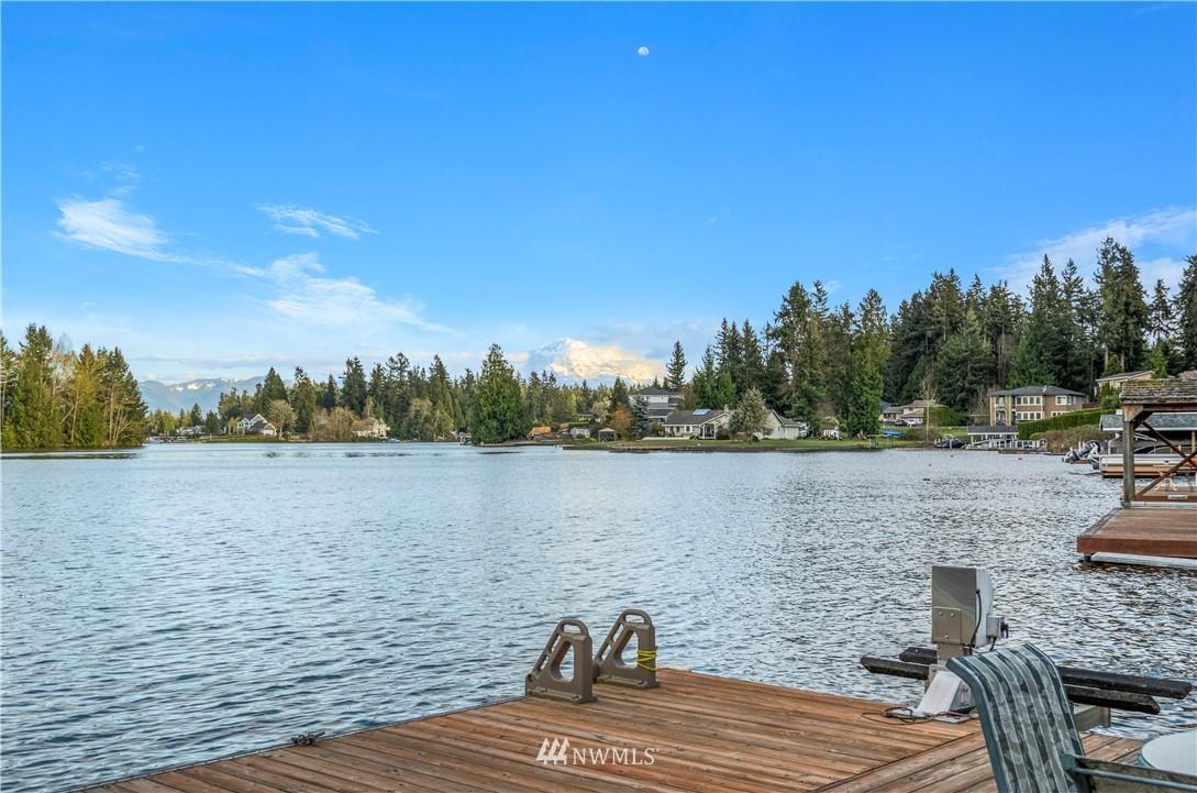4509 Lakeridge Drive E Property Photo 1