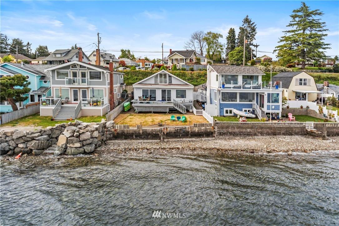 607 Shore Drive Property Photo