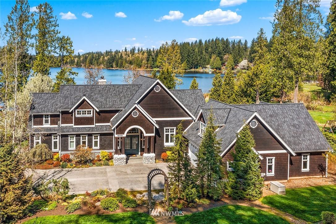10701 E Lake Joy Drive Ne Property Photo