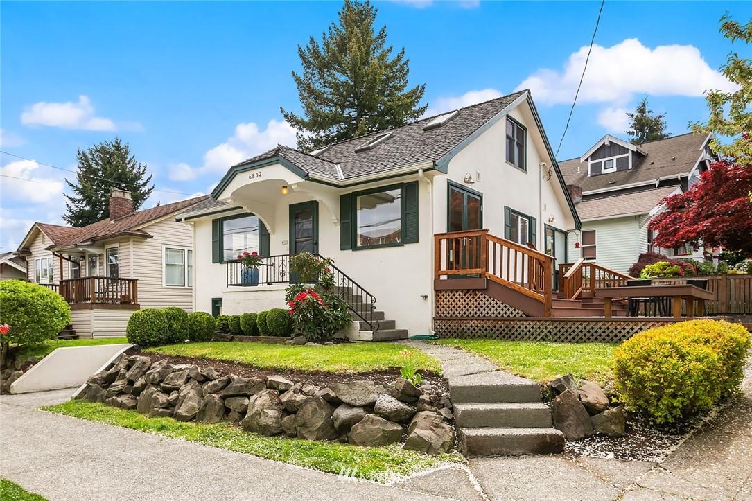 6802 Woodlawn Avenue Ne Property Photo