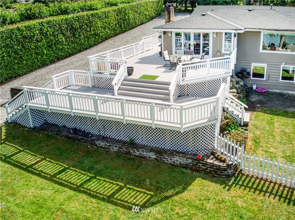5604 195th Place E Property Photo 1