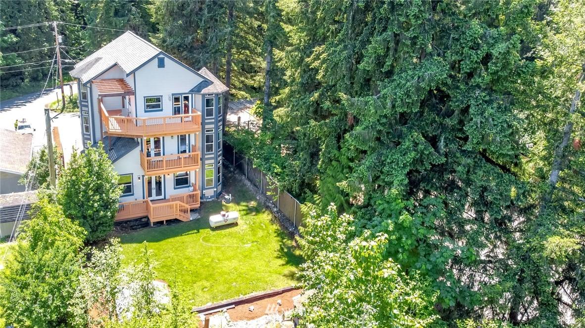 32621 Whitman Lake Drive E Property Photo 1
