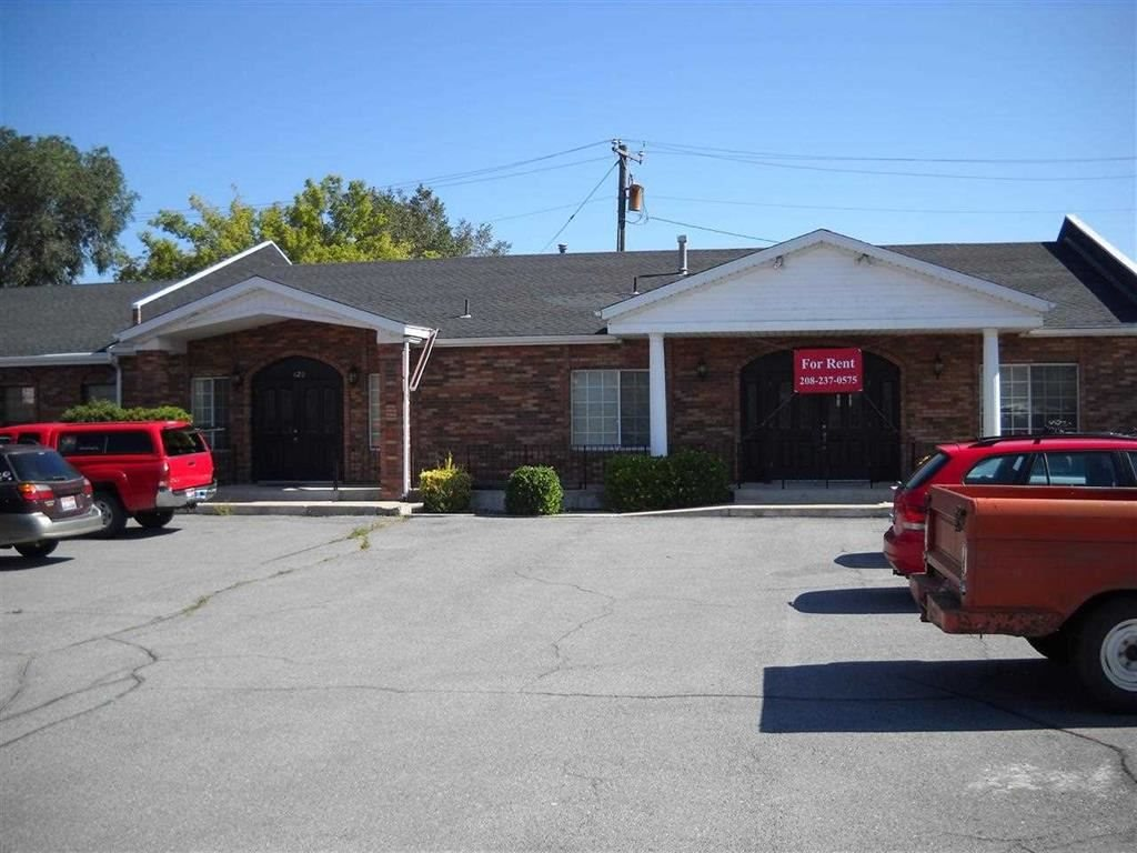 420 S 4th Property Photo