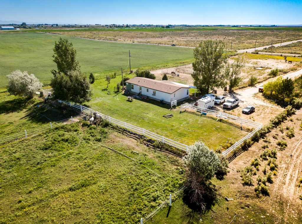 499 S 1550 W Property Photo - Pingree, ID real estate listing
