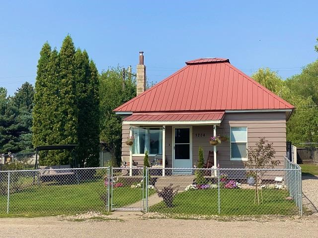 1204 Center Property Photo