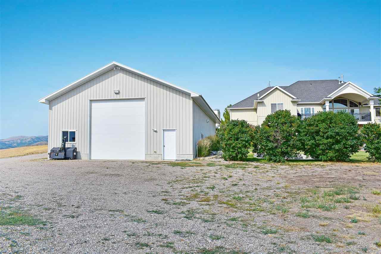 831 E Madlee Property Photo 33