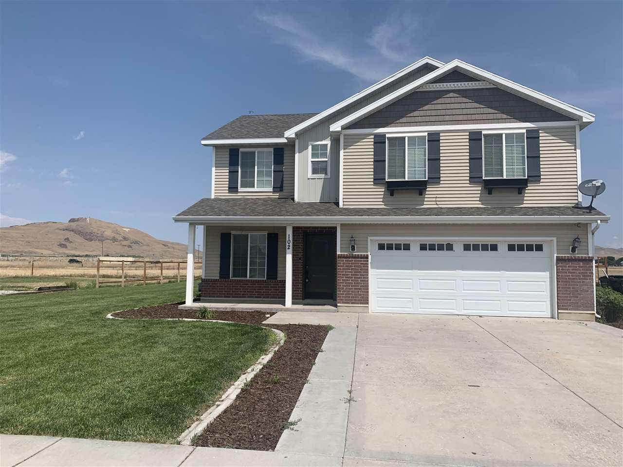 102 W Cedar Lane Property Photo