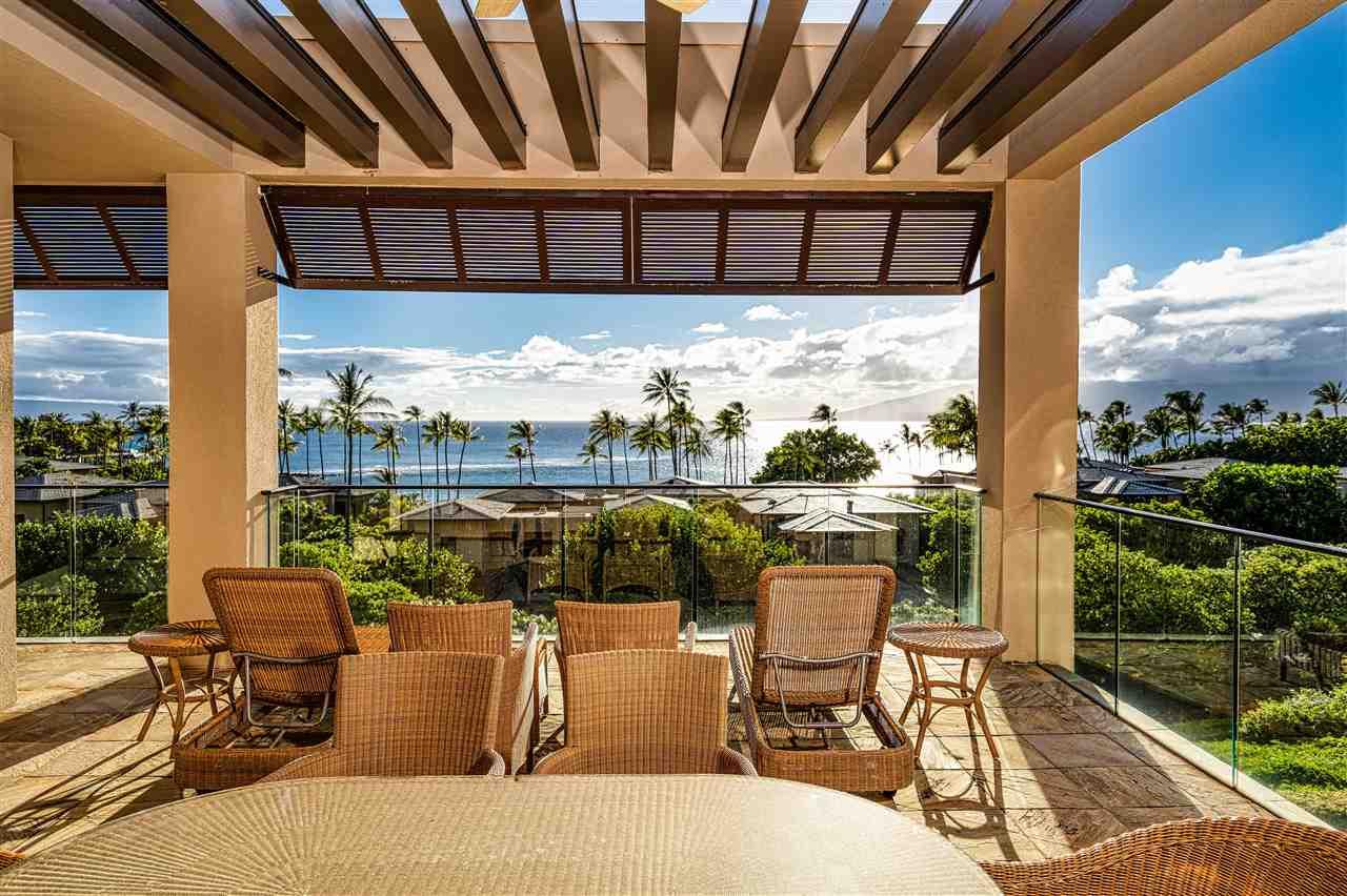 8 Coconut Grove Ln Property Photo