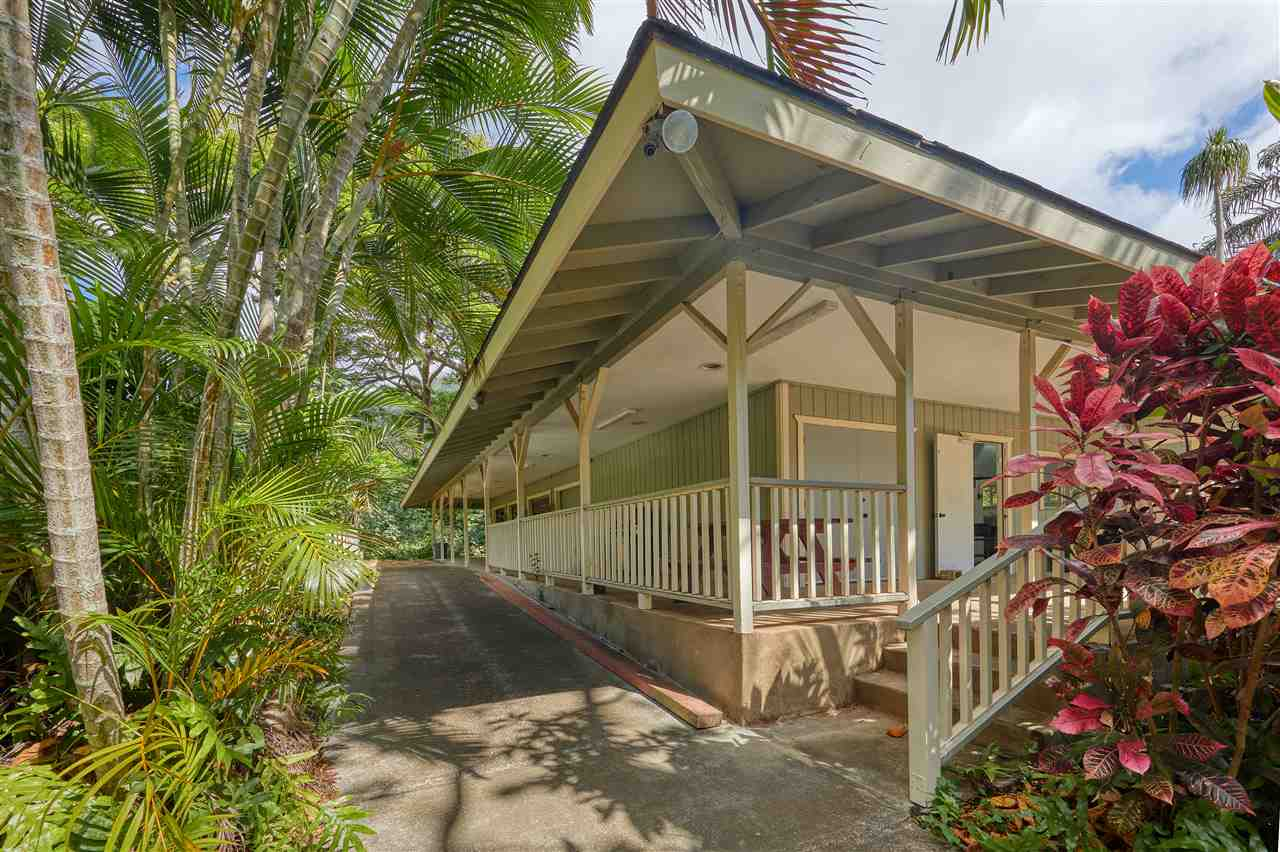200 Iao Valley Rd Property Photo