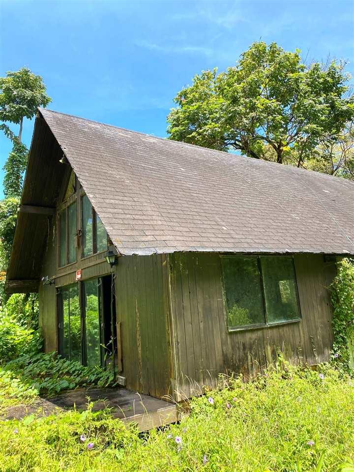 1330 Ulaino Rd Property Photo 1