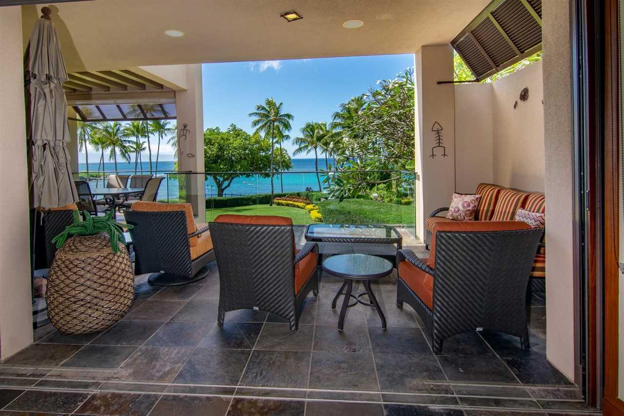 36 Coconut Grove Ln Property Photo 10
