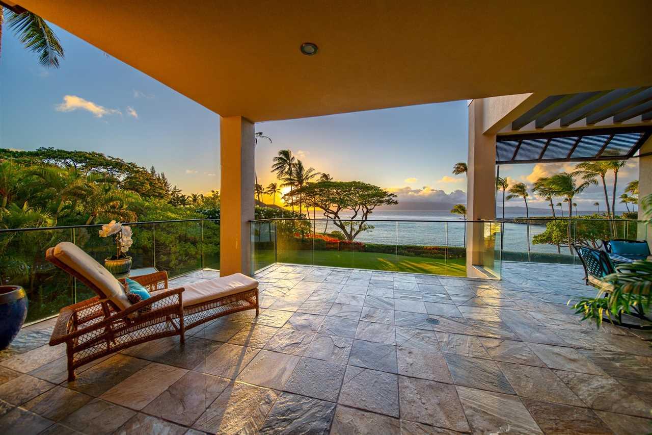 14 Coconut Grove Ln Property Photo 3